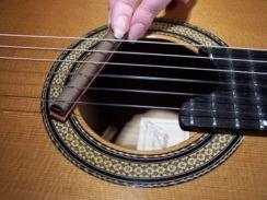 TremeloMute Tremolo & Arpeggio Practice Tool voor Akoestische gitaar - Rosette Guitar Products